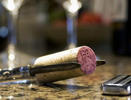 Deschiderea sticlelor vechi de vin