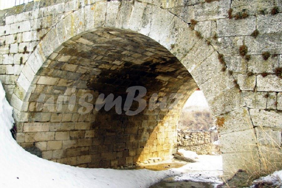 poduri din piatra