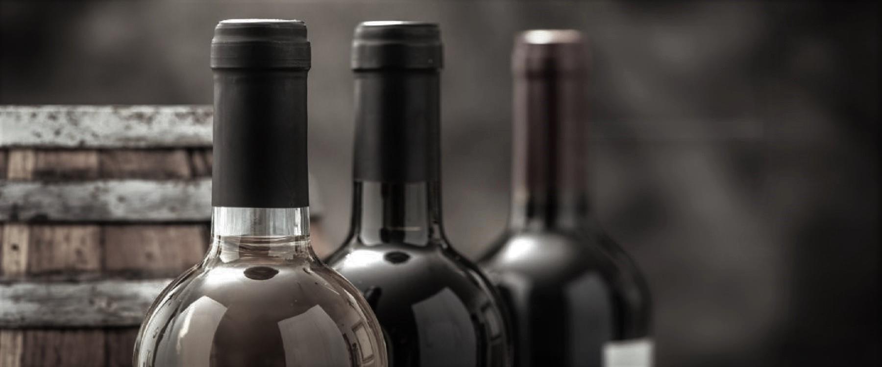 struguri și vinuri in sticla si la butoi